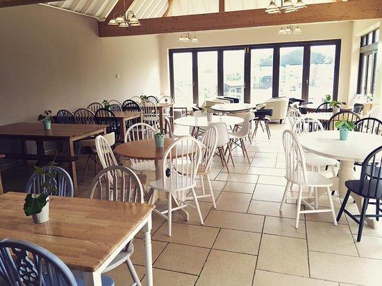 Cholderton, UK: Our Beautiful Ewe Tree Cafe & Bar