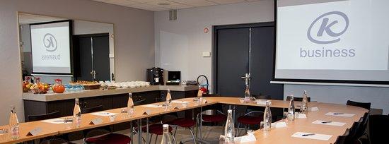 Kyriad Niort : Salle de séminaire