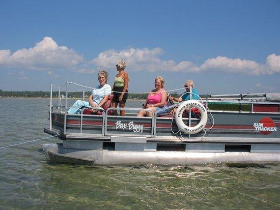 Wiarton, Canadá: Enjoy a tour of The Fishing Island, South Bruce Peninsula.