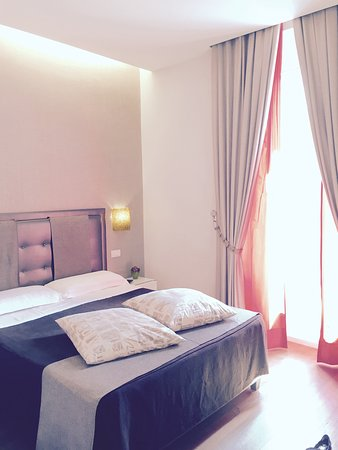 Roma Boutique Hotel: Room 24 on 4th floor, no balcony but amazing regardless