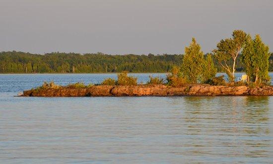 Wiarton, Canada : Oliphant Magic! The Fishing Islands, South Bruce Peninsula