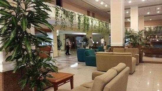 Avanti Hotel: Lovely reception