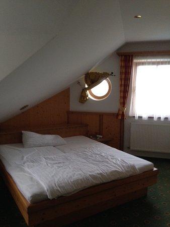 Hotel-Pension Bloberger Hof: Schlafzimmer oben Zimmer Nr. 19