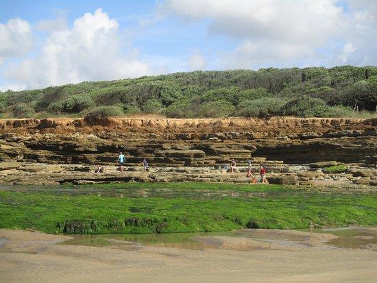 Talmont Saint Hilaire, France: coté roches marée basse