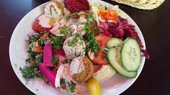 Sababa: Salatteller-Falafel