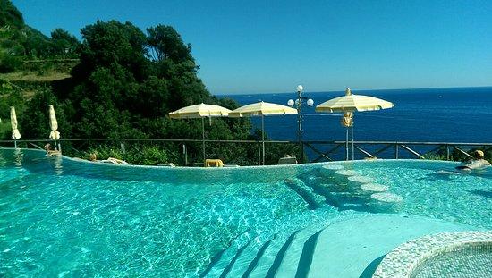 hotel porto roca picture of hotel porto roca monterosso. Black Bedroom Furniture Sets. Home Design Ideas