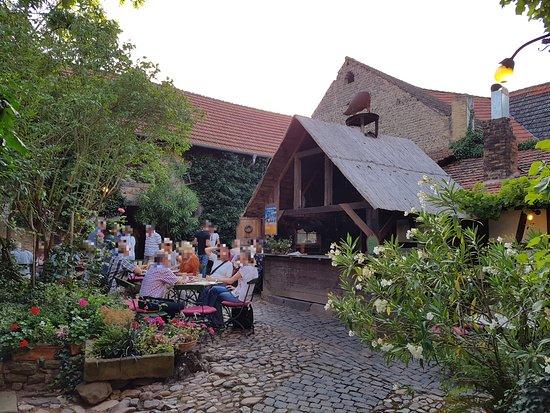 Bad Munster am Stein-Ebernburg, ألمانيا: Innenhof