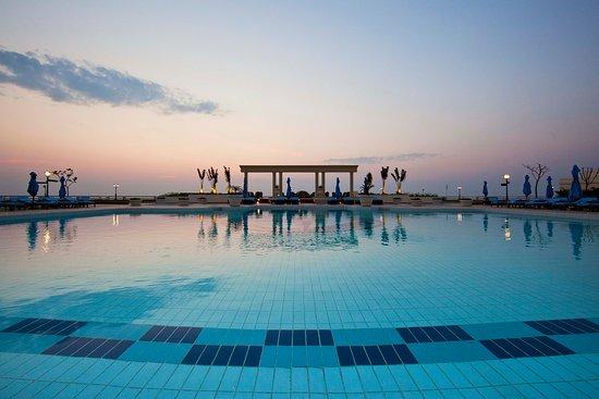 Polana Serena Hotel : Pool Area