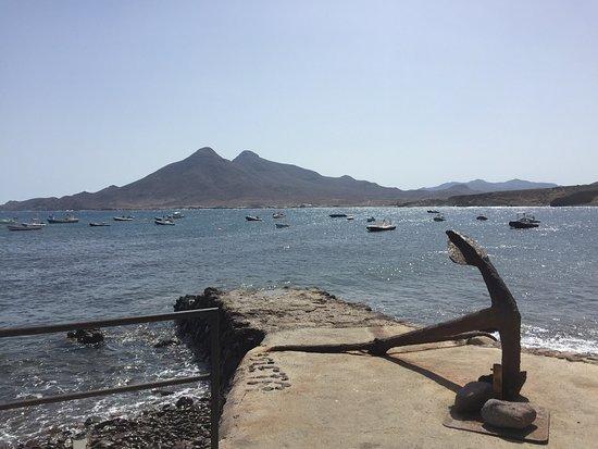La Ola: Hermoso lugar para desgustar de un excelente pescado y mariscos frescos las vistas de la terraza