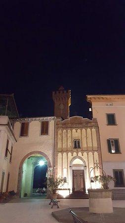 Castiglione di Garfagnana, İtalya: 20160815_224026_large.jpg