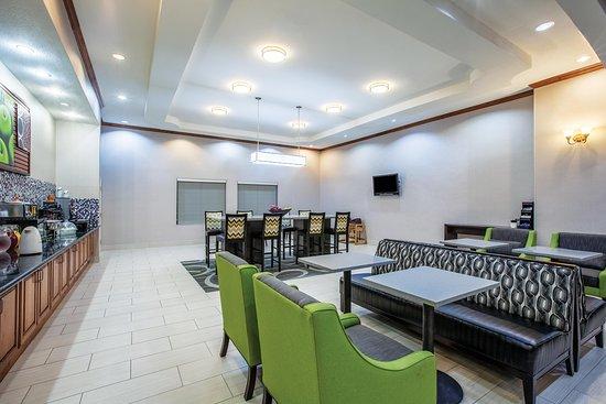 La Quinta Inn & Suites Gainesville: Breakfast Area