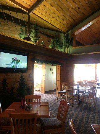 Orange Moose Bar and Grill: photo2.jpg