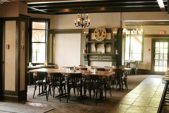 Duncan, Kanada: River Rock Bar + Grill