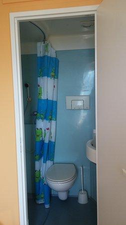 Gîte les Dormillouses : Salle de bain trop petite