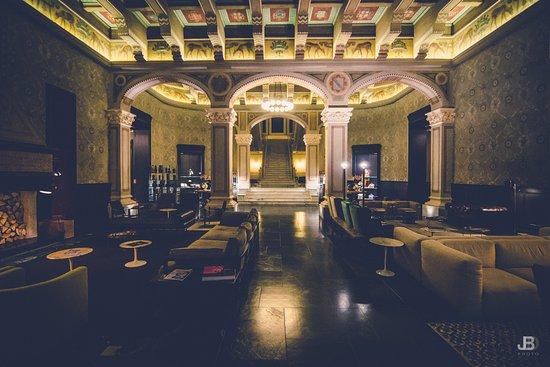 Hotel Foyer Saint Vincent : Hall grand hotel photo de parc billia saint