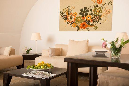 Palazzo Indelli: Dettagli