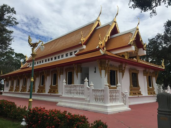 Wat Mongkolrata Temple : A gem in Tampa!  The temple is beautiful and the Thai food is very authentic. I loved it!!