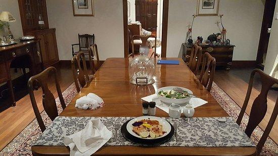 فريدينبورج مانور هاوس: No words, you have to experience the charm, hospitality and cuisine. Highly recommended.