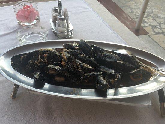 """Palit, Kroatien: """"Halbe Portion Miesmuscheln"""""""