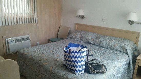 AA Heart of Wildwood Motels : King room