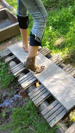Ussac, France: parcours pieds nus.prenez des serviettes. ..........
