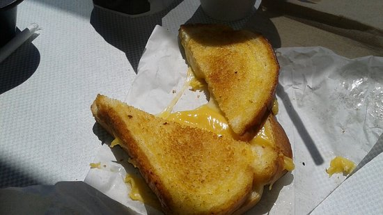 Canton, MO: Kids grilled cheese