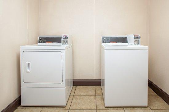 Brooksville, FL: Laundry