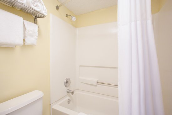 Brooksville, FL: Bathroom