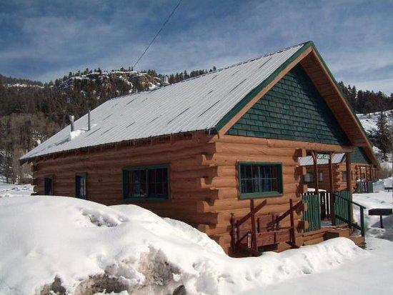 South Fork, CO: Cabin Captain Call Sleeps 4