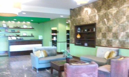 Elk City, OK: Lobby. Love the coloes.