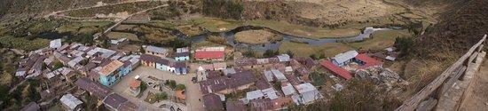 Huancaya, Peru: Vista Panoramica desde el Mirador de VIlca