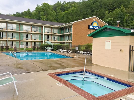 Jellico, Tennessee: Pool and Spa