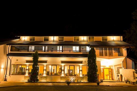 Hotel Caprioara: Exterior