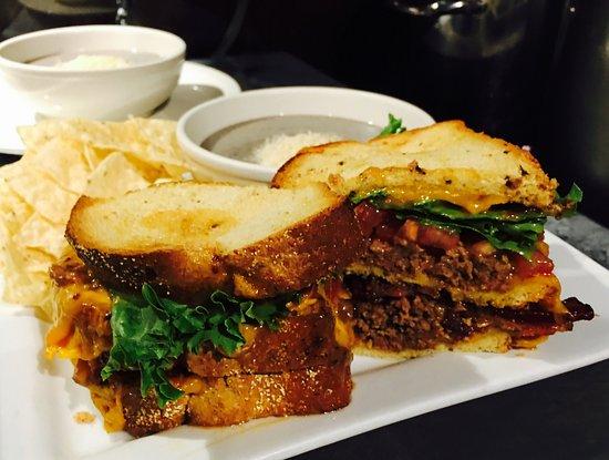 Brownwood, TX: Meatloaf Club Sandwich @ Steves'!