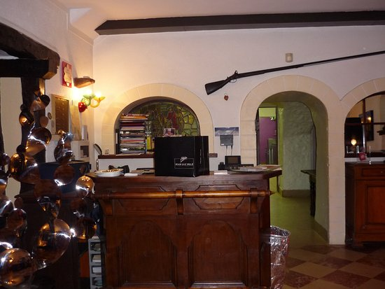 Dampierre-en-Yvelines, Frankrijk: Reception