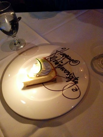 Hy's Steakhouse Whistler: Absolutely delicious key lime pie!