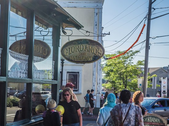 Giordano's Restaurant & Clam: Exterior