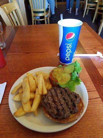 Custer Batttlefield Trading Post: Buffalo Burger.