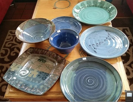 LaHave, Kanada: Proud to own several pieces of Westcote Bell pottery!