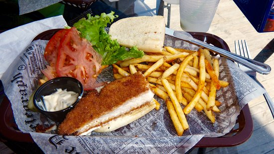 International Falls, Миннесота: One half of the walleye sandwich!