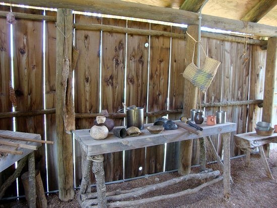 Sulphur, OK: Summer House inTraditional Village