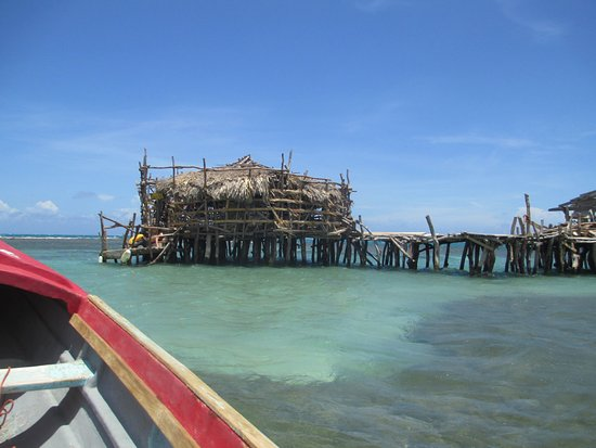 Floyd's Pelican Bar : Taking the boat to the Pelican Bar.