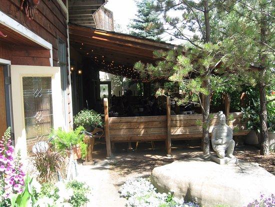 De Winton, Canada: Dining facility at Saskatoon Berry Farm