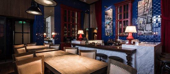 Moderno Bar