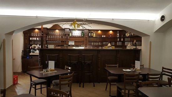 Restaurace Pasaz Velvet: downstairs is not that nice