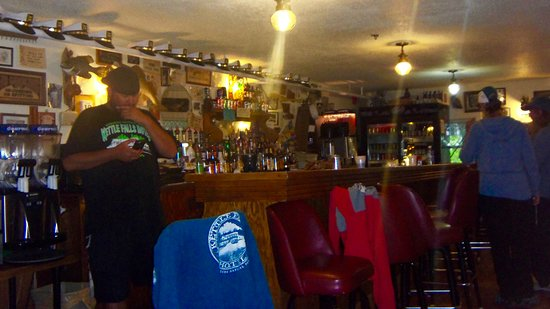 Kabetogama, MN: Typical lake country bar decor
