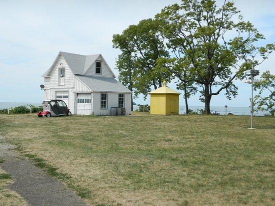 South Bass Island Lighthouse: Outbuilding