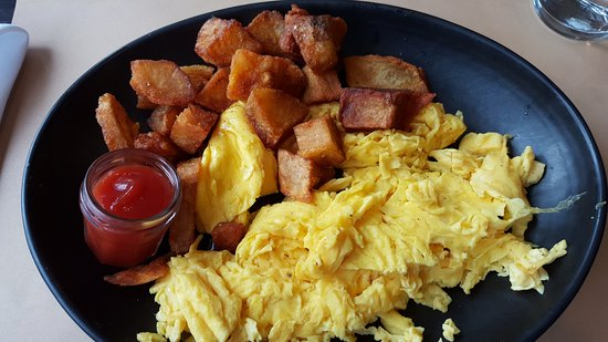 Morristown, NJ: Eggs, Hash Browns