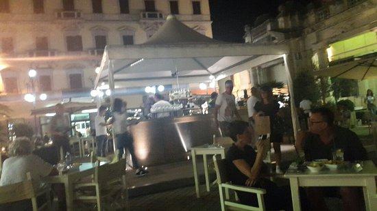 Gambrinus Lounge Cafe' & Restaurant