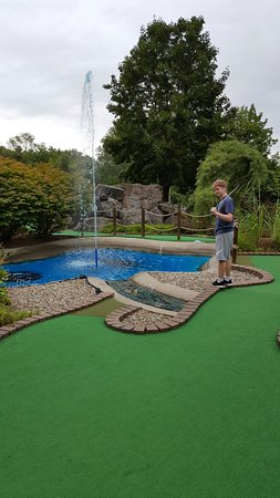 ‪Lumberjack Pass Miniature Golf‬